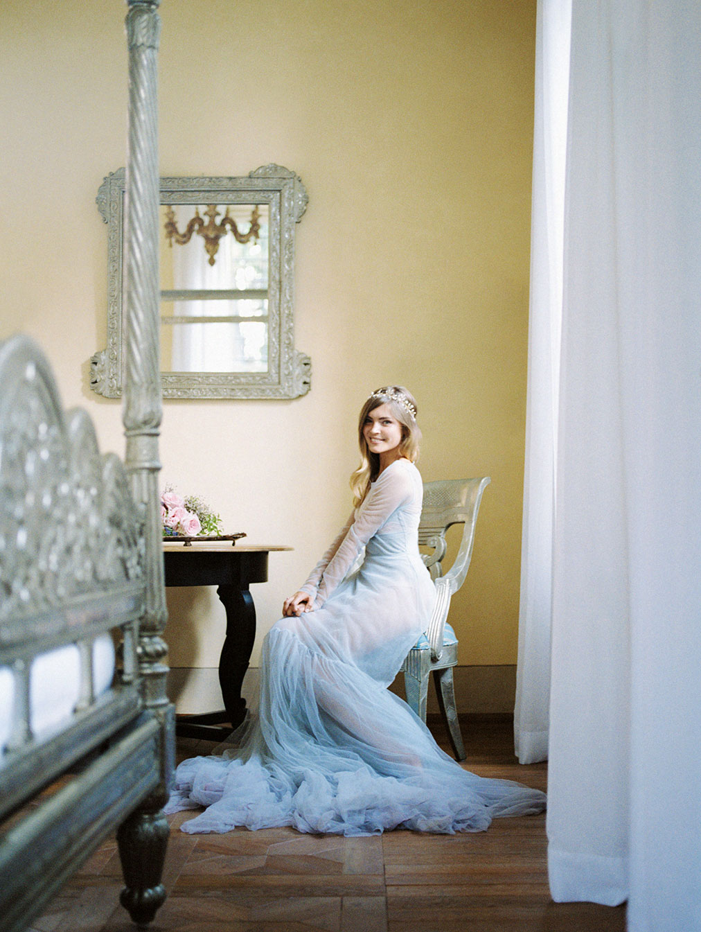 tuscany wedding villa mangiacane by julia kaptelova photography bride blue wedding gown