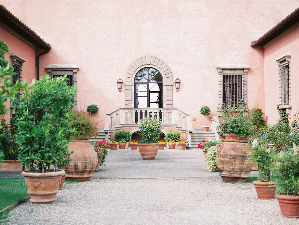 tuscany wedding villa mangiacane by julia kaptelova photography