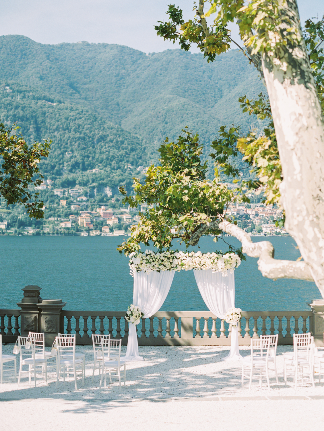 Wedding ceremony place castadiva lake Como view
