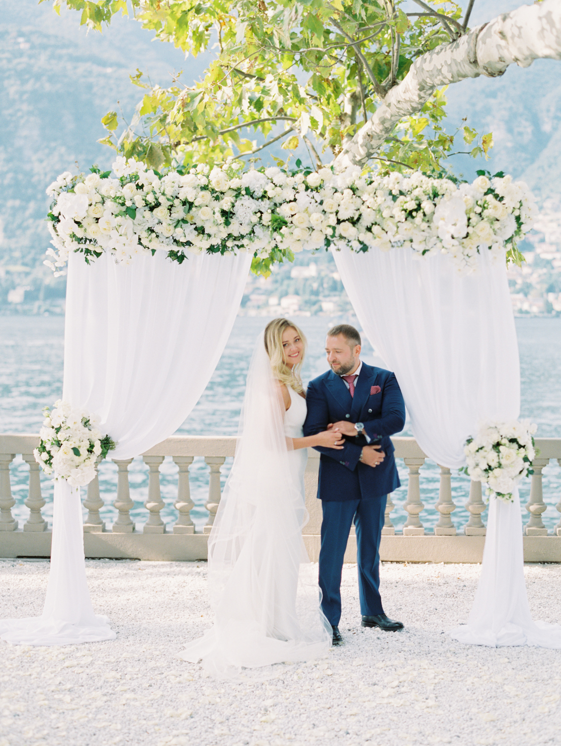 Amazing couple castadiva resort Italy wedding