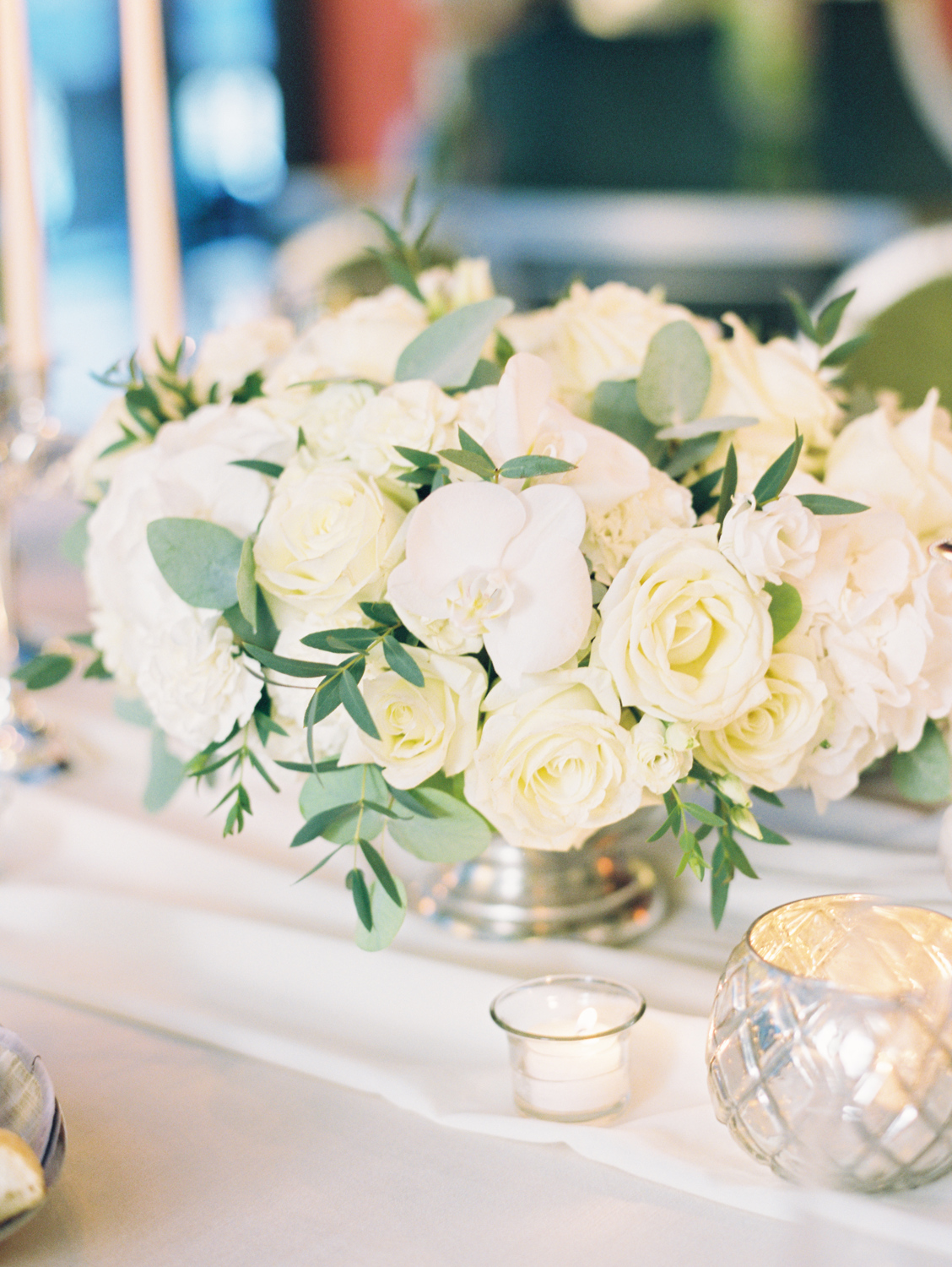 Beautiful white flowers wedding decor castadiva resort lake como